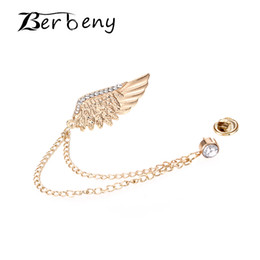$enCountryForm.capitalKeyWord NZ - Berbeny 2019 Exquisite Fashion Golden Wings Brooches Men&Women's Rhinestone Chain Brooch Coat Pins Suit Collar Accessories Gift 10pcs lot