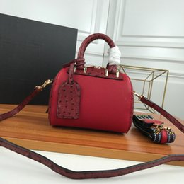 $enCountryForm.capitalKeyWord Australia - TOP Designer Lady Ostrich Texture Handbag Hot Sale Opponent Bag Lady Messenger Bag Classic Small Cute Pillow Bag Feel Very Comfortable
