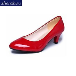 Chinese  Designer Dress Shoes Pumps 2019 new spring and autumn women OL professional with low round head and fashionable women's manufacturers