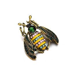 Wholesale kids indian clothes resale online - Cute Insect Fly Brooch Kids Girls Clothes Accessories Gold Color Black Yellow Enamel Brooches Birthday Gifts b540