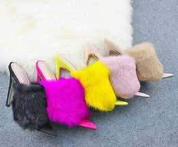 Doces cor de luxo de cabelo de coelho de salto alto slides mulher apontou dedo do pé boca de peixe chinelos de pele fina salto ol sapatos senhoras mula em Promoção