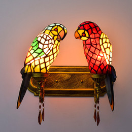 $enCountryForm.capitalKeyWord NZ - Tiffany Stained Glass Parrot Sconce Wall Lamp Hotel Besdside Decor Art Animal Corridor Balcony Stair Vintage Light Fixtures Indoor