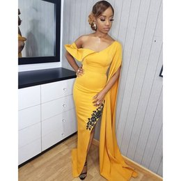 9d52c26097 Sexy Yellow African Prom Dresses 2019 Mermaid Long Formal Dress for Girls  Sleeve Split Slit Graduation Party Gowns With Black Lace Applique