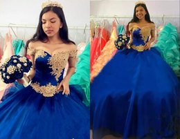 $enCountryForm.capitalKeyWord Australia - Amazing Gold Applique Royal Blue Quinceanera Prom dresses Off the shoulder with Sleeves Organza Sequins Sweet 15 Dress Vastidos De Dress