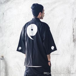 black white japanese men coat Australia - Japanese Kimono Jackets Streetwear 2018 Japan Style Casual Printed Thin Coats Men Harajuku Open Stitch Outwear Jacket
