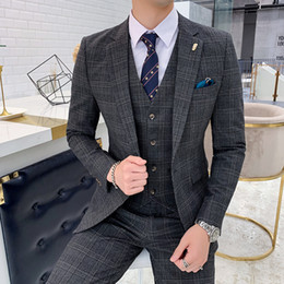 $enCountryForm.capitalKeyWord Australia - Business Mens Suits 2019 Khaki Mens Suits 3 Piece Terno Masculino Slim Fit Wedding for with Pants Formal Office Dress