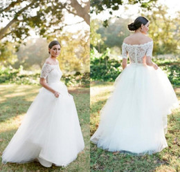 $enCountryForm.capitalKeyWord Australia - 2019 New Modest Country Lace Wedding Dresses Cheap Off Shoulder Short Sleeves Simple White Tulle A Line Beach Covered Buttons Bridal Gowns