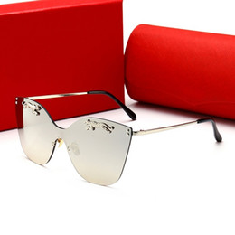 Circular Case Australia - 00112 Luxury Sunglasses For Women Large Frame Elegant Special Designer with Rivets Frame Built-In Circular Lens Top Quality Come With Case