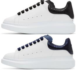 Desenhador Das Mulheres Dos Homens Sapatilha Sapatos Casuais Moda Inteligente Sapatilhas Formadores Plataforma Luminosa Fluorescente Cobra De Couro Chaussures Despeje Hommes venda por atacado