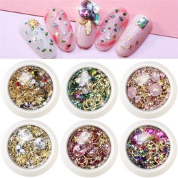 art storm NZ - Exquisite new nail manicure rhinestones New York storm suit nail rivet nail stickers jewelry art SZ470