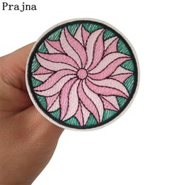 $enCountryForm.capitalKeyWord Australia - Prajna Exquisite Flowers Embroidery Iron On Patches For Hat Backpack Manual Cheap T-Shirt Badge Appliques Dress Diy Sticker