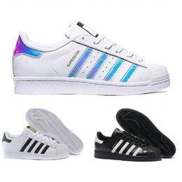 55116ce1f3 Adidas shoes 2019 Originals Superstar White Hologram Iridescent Junior  Superstars 80s Pride Sneakers Super Star Donna Uomo Sport Scarpe da corsa  36,45 ...