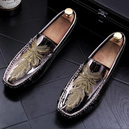 mens black patent formal shoes Australia - summer fashion designer mens shoes Formal leather shoes Men loafers Flat Men's Embroidered patent leather shoes moccasins LF210