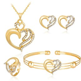$enCountryForm.capitalKeyWord Australia - New Middle East Crystals Gold Wedding Bride Jewelry Heart Shape Accessaries Set Four Pieces Crystal Leaves Design With Faux Pearls