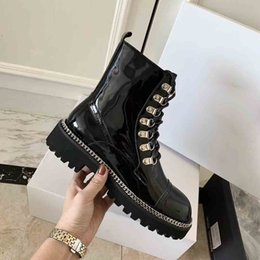 tassels j Australia - Super Star Designer J Motorcycle Boots, Luxury Women's Winter Martin Boots, New High-end Metal Chain Boots, Super Painted Martin Boots