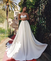sweetheart wedding dresses pockets NZ - Elegant A-Line Sweetheart Long Satin Wedding Dresses with Pockets Customize Strapless Bridal Gowns Lace Up Brautkleid Formal Dresses