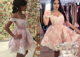 $enCountryForm.capitalKeyWord Australia - 2019 Modest Pink White lace Short Homecoming Prom Dress Off the shoulder Corset Back A line Applique Formal Party Graduation Cocktail Dress