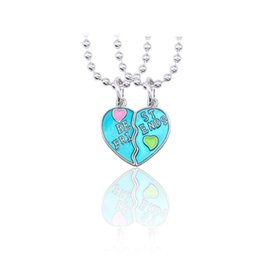 $enCountryForm.capitalKeyWord Australia - Trendy Best Friends Pendant Necklace Green Letter Broken Heart Necklace For Women Silver Chain BFF Friendship Jewelry Xmas Gift