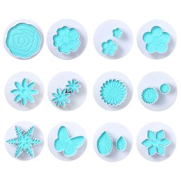 flower molds for cakes UK - 2Pcs set Fondant Cake Plunger Flowers Dough Biscuit Cutters Molds for Baking Embossing Tools