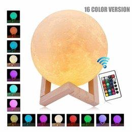 LED USB Lampe Lune 3D Moonlight Night Light Touch 16 couleurs changeantes avec un cadeau de contrôle à distance en Solde