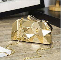 $enCountryForm.capitalKeyWord Australia - Fashion Cosmetic Bag Women Mummy 2019 New Ou Fan Metal Clutch Bag Banquet Chain Small Square Bag Shoulder Messenger