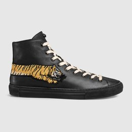 $enCountryForm.capitalKeyWord Australia - Fashion Embroidered Leather High-top Women Running Roller Martial Arts Hiking Golf Fitness Cycling Bowling Basketball Sneakers Shoes