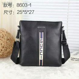 2c5e1e96f6c4 2018 бренд моды дизайнерские сумки класса люкс классические роскошные  деловые мужские сумки на ремне, повседневная кожаная мужская диагональная  сумка ...