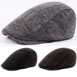 21069896b8ce4 Men and women berets solid color fashion retro summer herringbone newsboy  Baker boy tweed flat cap men s Gatsby hat berretto