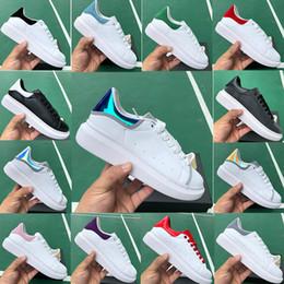$enCountryForm.capitalKeyWord Australia - Men Women Fashion designer shoes 3M Reflective black white silver red Lace up flat breathable Sports casual shoes US36-44