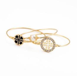Cheap Wholesale Pearl Sets Australia - Wholesale Cheap Alloy Crystal Pearl 3 Set Bracelet Women Bracelets Charming Jewelry 6.7cm Diameter 30g