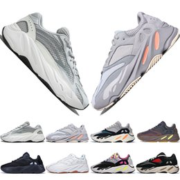Chinese  Cheap Kanye West Wave Runner 700 Boots V2 Grey Casual Shoes for men 700s womens mens Sports Sneakers trainers outdoor designer Causal shoes manufacturers