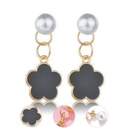 Black Pearl Drops Australia - Gold Plated Alloy Black Lucky Clover Drop Earrings For Ladies Fashion Imitation Pearl Dangle Earrings Party Jewelry