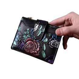 $enCountryForm.capitalKeyWord UK - Hot Sale Women Short Wallet Fashion Leather Wallet Personality Flower Purse Card Package Photo Place Purse For Three Styles