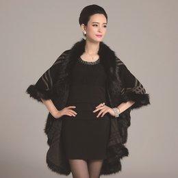Опт Формальные банкетные дамы согреться с формальным мысом платья и платком из искусственного меха клетчатой шали пальто осенью и зима нового стиль