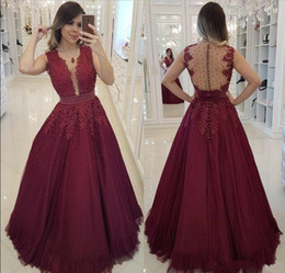 EvEning drEss jackEts covEr ups online shopping - 2019 Burgundy Crew Neck A Line Tulle Long Prom Dresses Lace Appliqued Beaded Arabic Evening Party Gowns African Sexy Illusion Bodices