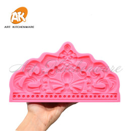 big chocolate moulds Canada - Big Crown Silicone Moulds Graduation Hat Sugarcraft Fondant Bakery Template Food Grade Fondant Cake Chocolate Molds Baking Tool T191018