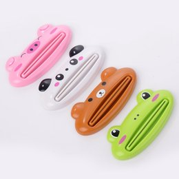 tube squeezers plastic NZ - Cute Animal Multifunction Squeezer Toothpaste Squeezer Home Commodity Bathroom Tube Cartoon Toothpaste Dispenser Extruder 4styles RRA2626