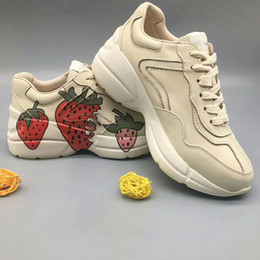 $enCountryForm.capitalKeyWord Australia - cat sneakers woman three tigers Daddy Shoes Small White Retro Letter Red Lip Strawberry Thick soled Casual Shoes with Increased Leather Men