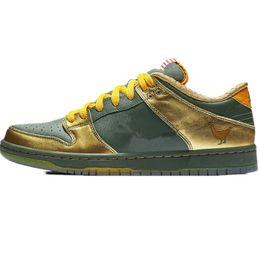 2019 Hot SB Dunk Pro Low Doernbecher Verde oliva oro Scarpe da corsa per  uomo di alta qualità Formazione donne Sneakers Chaussures Taglia 36-45 937c57d408a