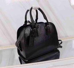 $enCountryForm.capitalKeyWord Australia - Hot Selling Women Designer Bat Bat Bag Single Shoulder Bag, Store Synchronized Top Organ Bag, Super Star Handbag28x23x13CM