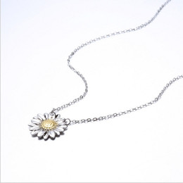$enCountryForm.capitalKeyWord NZ - flower necklaces silver 925 jewelry daisy pendants woman girls chokers cross chains white gold fashion sweet charming valentines gift 6 pcs