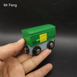 $enCountryForm.capitalKeyWord Australia - Fun Green Mini Train Container Wooden Model Magnetic Vehicle Educational Toys For Children ( Model Number I532 )