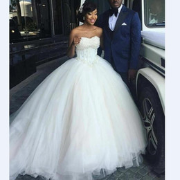 wedding dress pleated skirt flowers UK - 2020 african Ivory Wedding Dresses Princess Ball Gown Sweetheart Neck Plus Size Lace Up Back Sweep Train Tulle Formal Wedding robes de