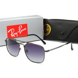 $enCountryForm.capitalKeyWord Australia - New fashion classic mens sunglasses Pilot glasses gold frame with Slim design square frame vintage style outdoor with original box
