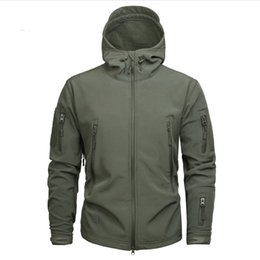 Chinese  Men's Army Camouflage Shark Skin Soft Shell Jacket and Coat Tactical Jacket Waterproof Jackets Windbreaker Hunt Clothes manufacturers