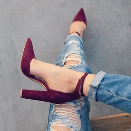 Venta al por mayor de Zapatos de vestir 2019 Otoño Para Mujer Moda Retro Tacones altos Punta estrecha Oficina Carrera Calzado superficial Mujeres Negro Bombas Tallas grandes 12