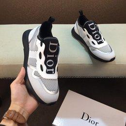 Zapatos deportivos casuales para hombres de alta calidad zapatos deportivos casuales de fondo suave de goma zapatos de viaje entrega rápida embalaje original de la caja en venta