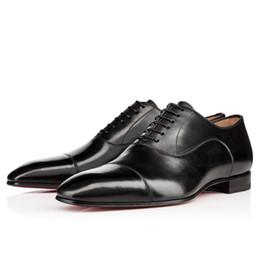 Ingrosso Alta qualità Affari Gentleman scarpa da tennis inferiore rossa Greggo orlato Flats donne Mens Walking Wedding Party Dress lusso Designer soli pattini rossi