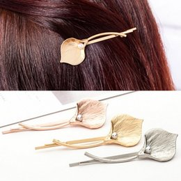 Gift Idea Wholesale Australia - Flower Hair Clip Clamps Girls  Ladies Dainty Gold Silver Metal Hairpin Hair Clip Great Gift Idea
