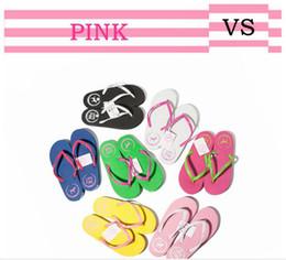 230089e13 Летние сандалии Girls Love Pink Вьетнамки Pink Letter Пляжные тапочки Обувь  для женщин Мягкие сандалии против повседневных резиновых сандалий